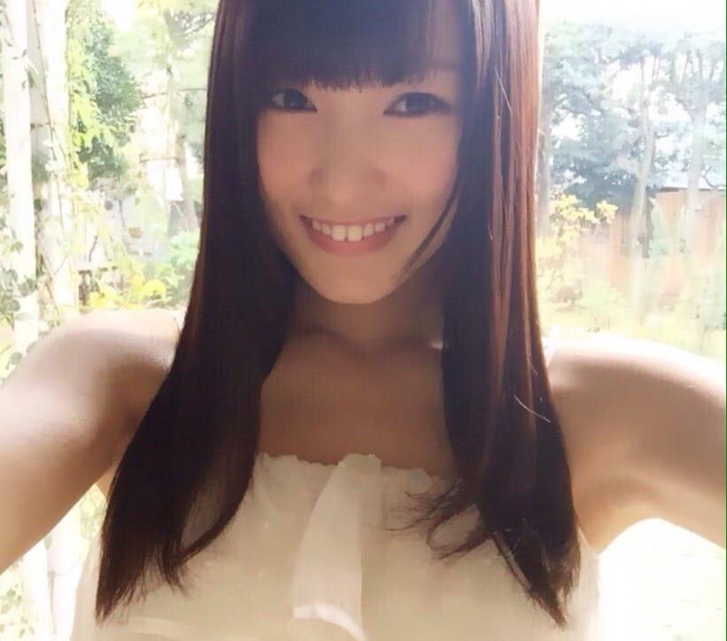 肌がとっても綺麗な菅井友香の画像