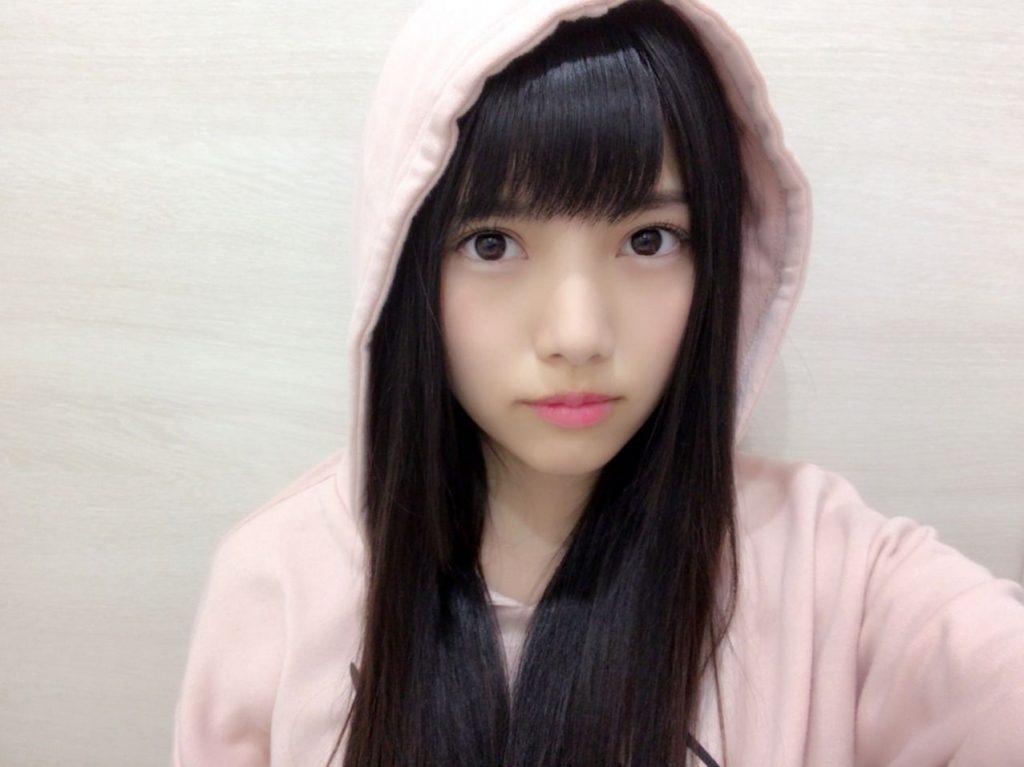 顔の肌がきれいな上村莉菜さん