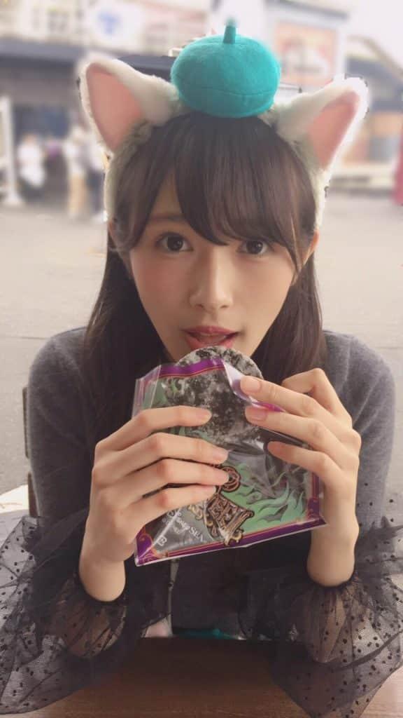ディズニーシーへ行った渡辺梨加がブログに可愛すぎる写真を掲載。本日の個別握手会でも猫になってファンを魅了